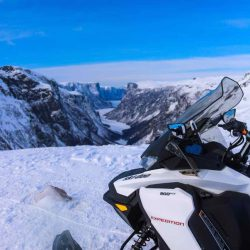 Snowmobile tour to western brook pond